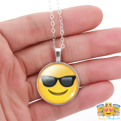 cool-emoji-ketting-hand-zoom