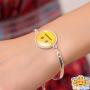 neutral-emoji-armband-om-arm-2