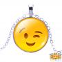 wink-emoji-ketting-zoom