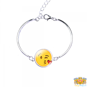 heart-kiss-emoji-armband-front